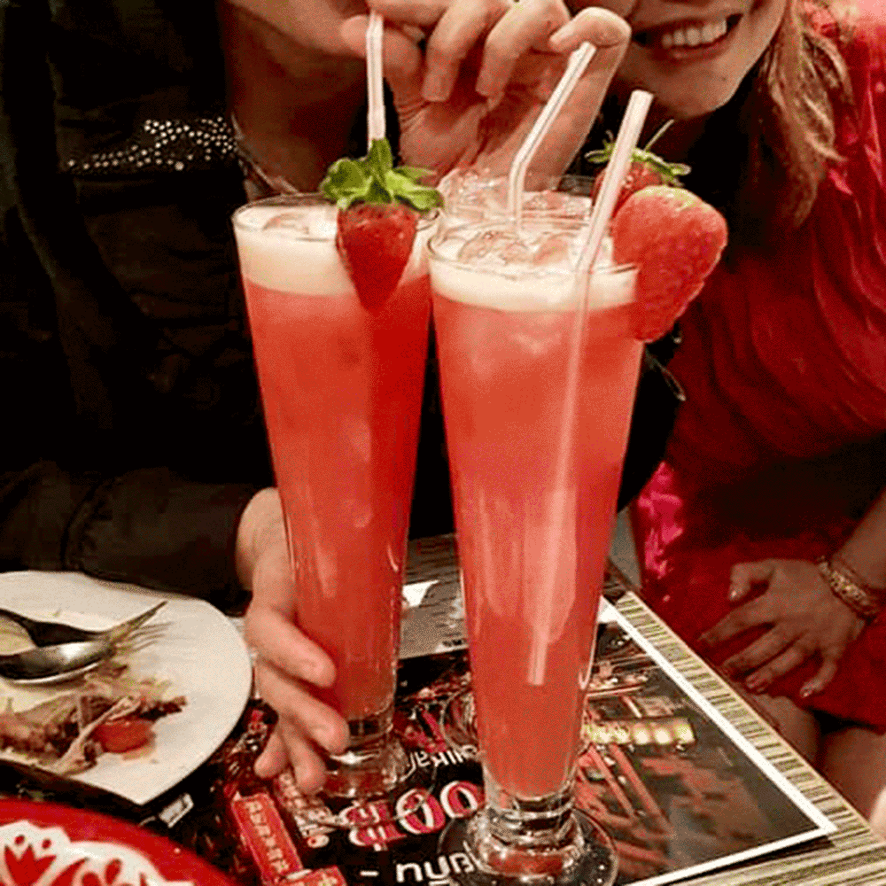 strawberry flavoured cocktails